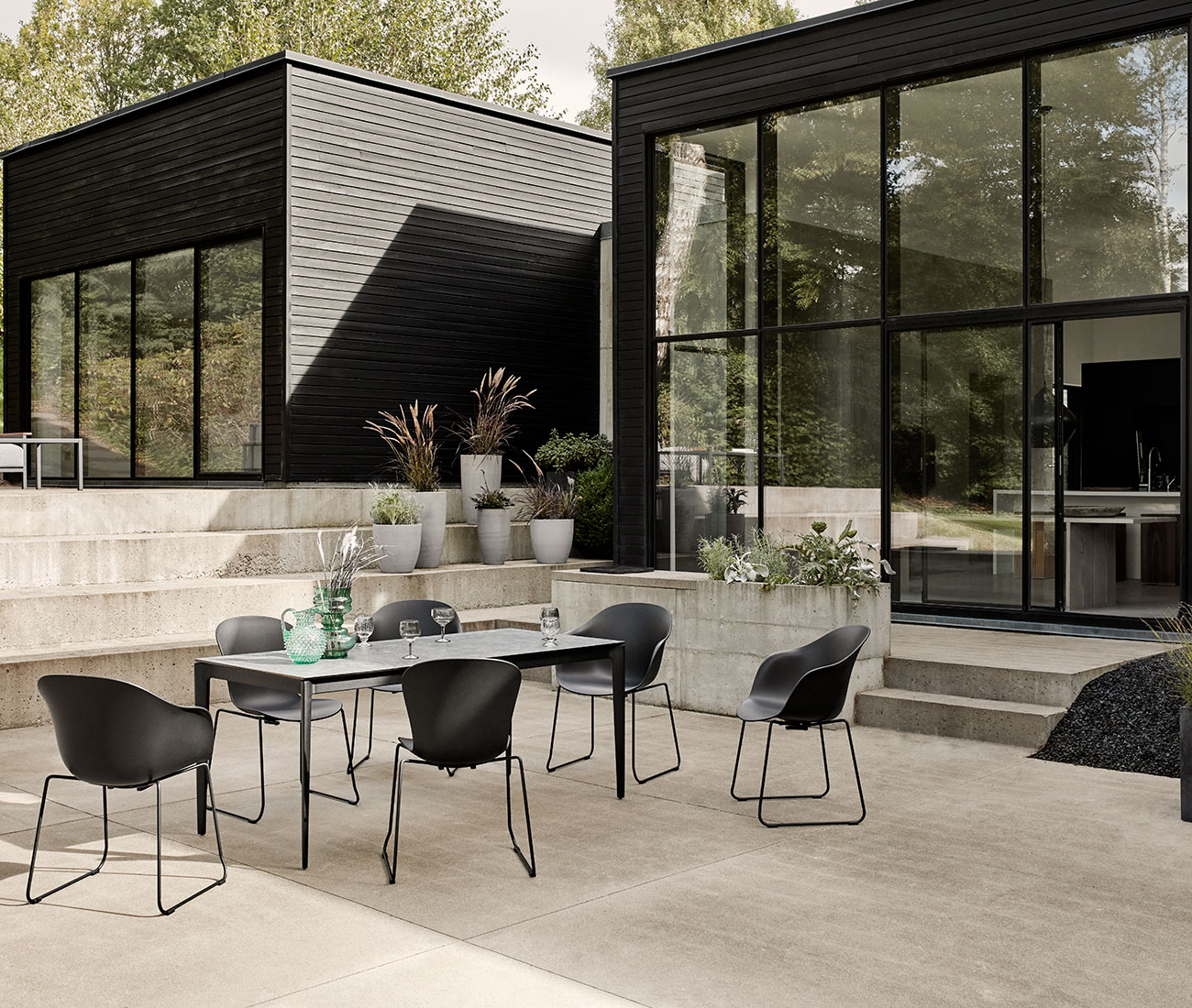 Outdoor dining with black  Adelaide dining chairs