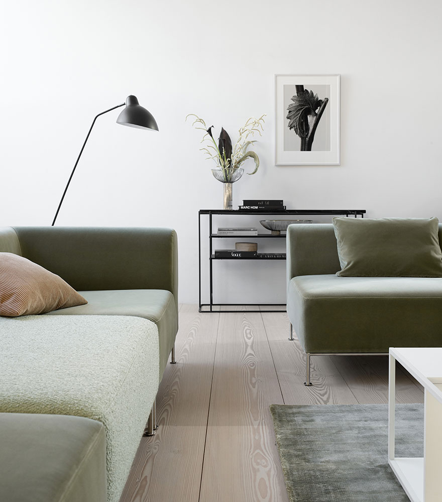 Livingroom with green sofas