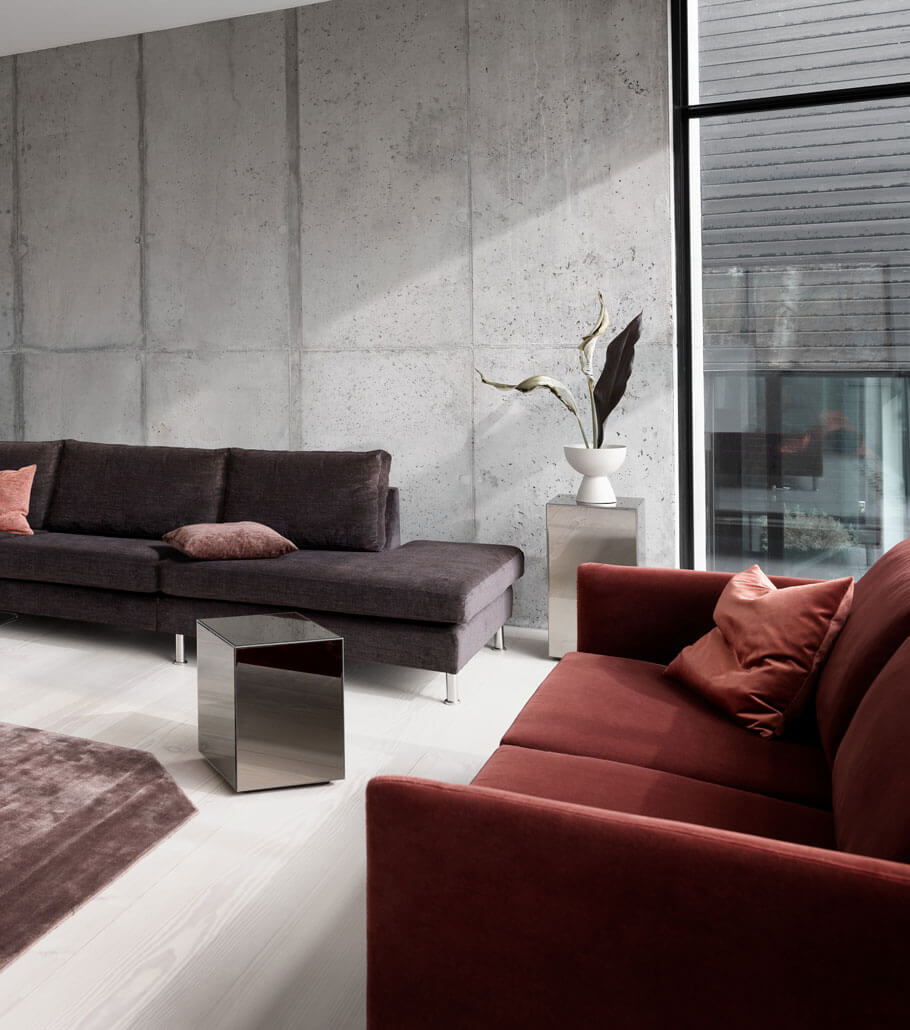 Living room with brown Indivi sofa