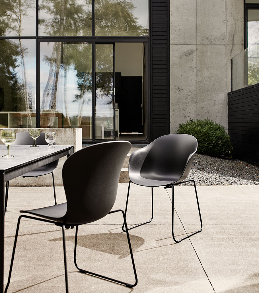Outdoor Adelaide chairs in black