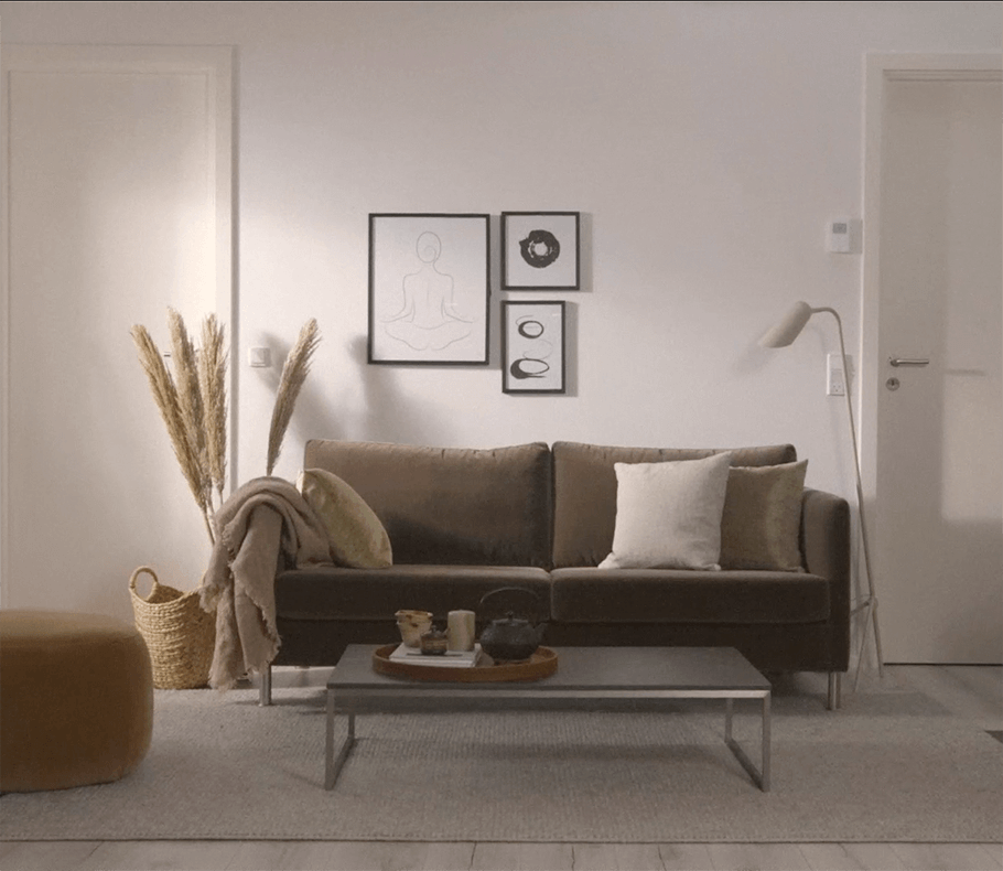 Indivi japandi sofa in cosy settings