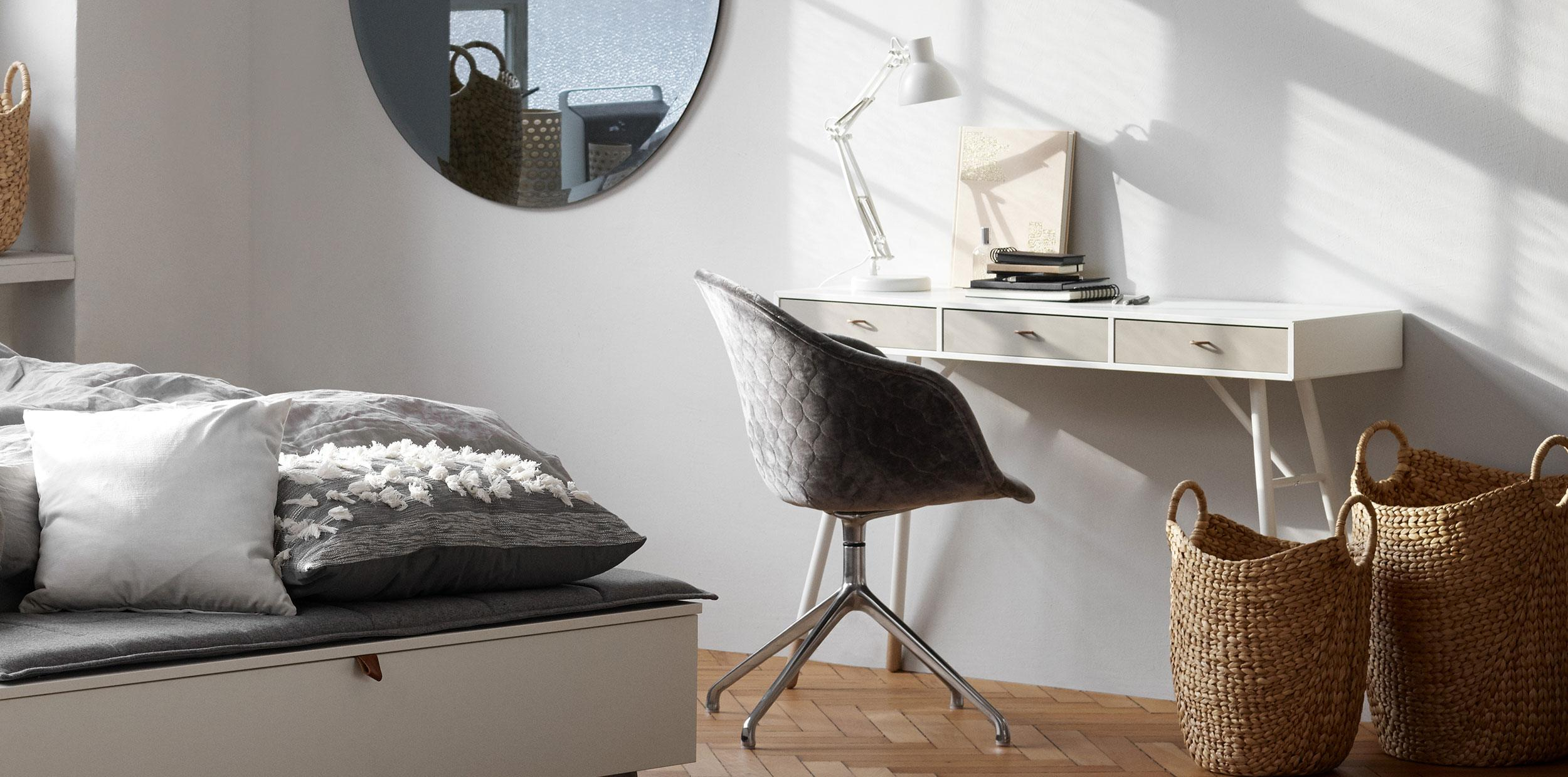 White Cupertino desk with white lamp with Adelaide chair in grey