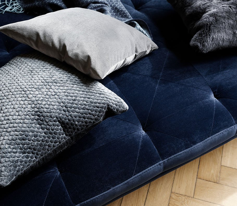 Fusion daybed in blue velvet and cushions in different grey shades