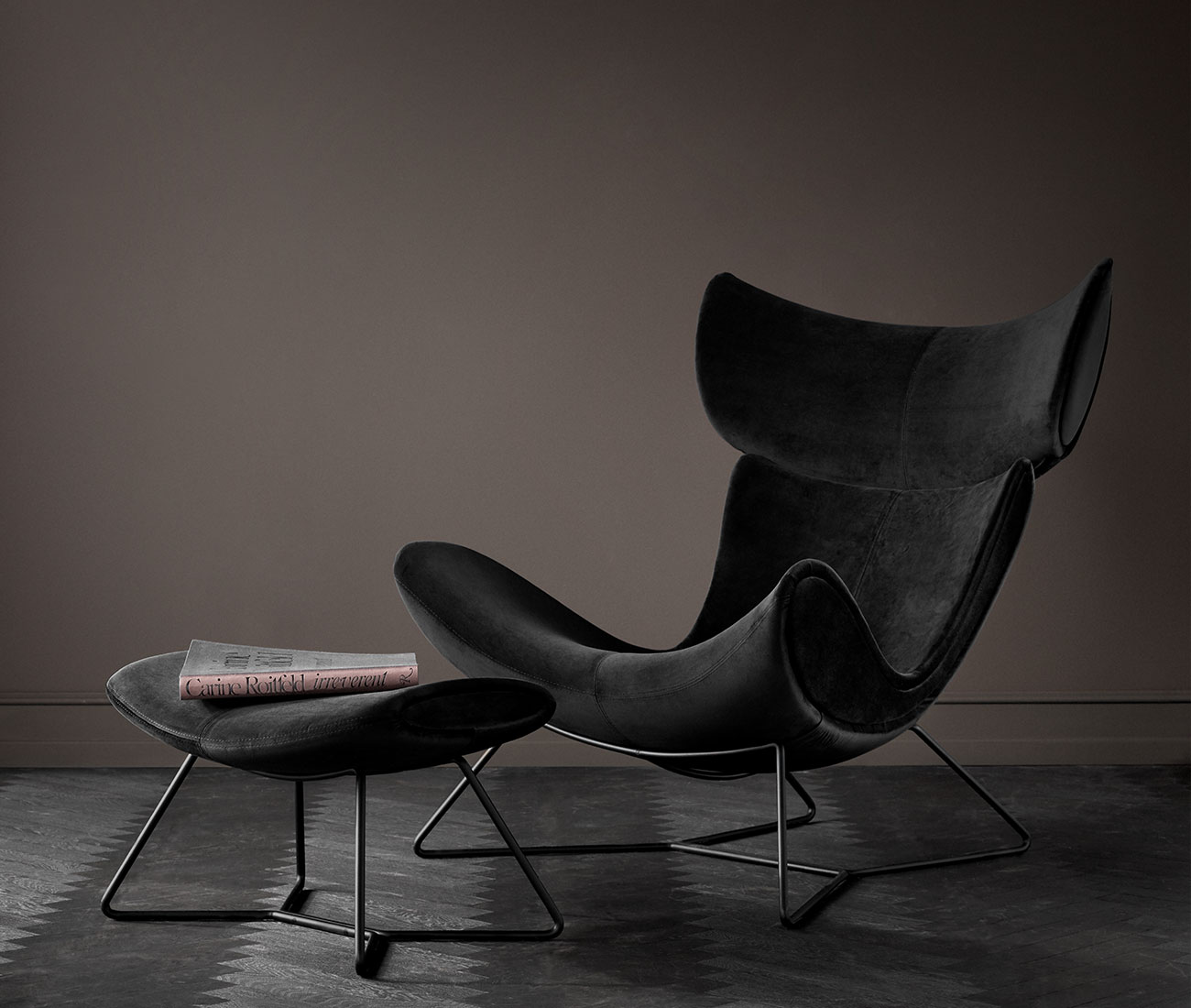 Imola chair with footstool