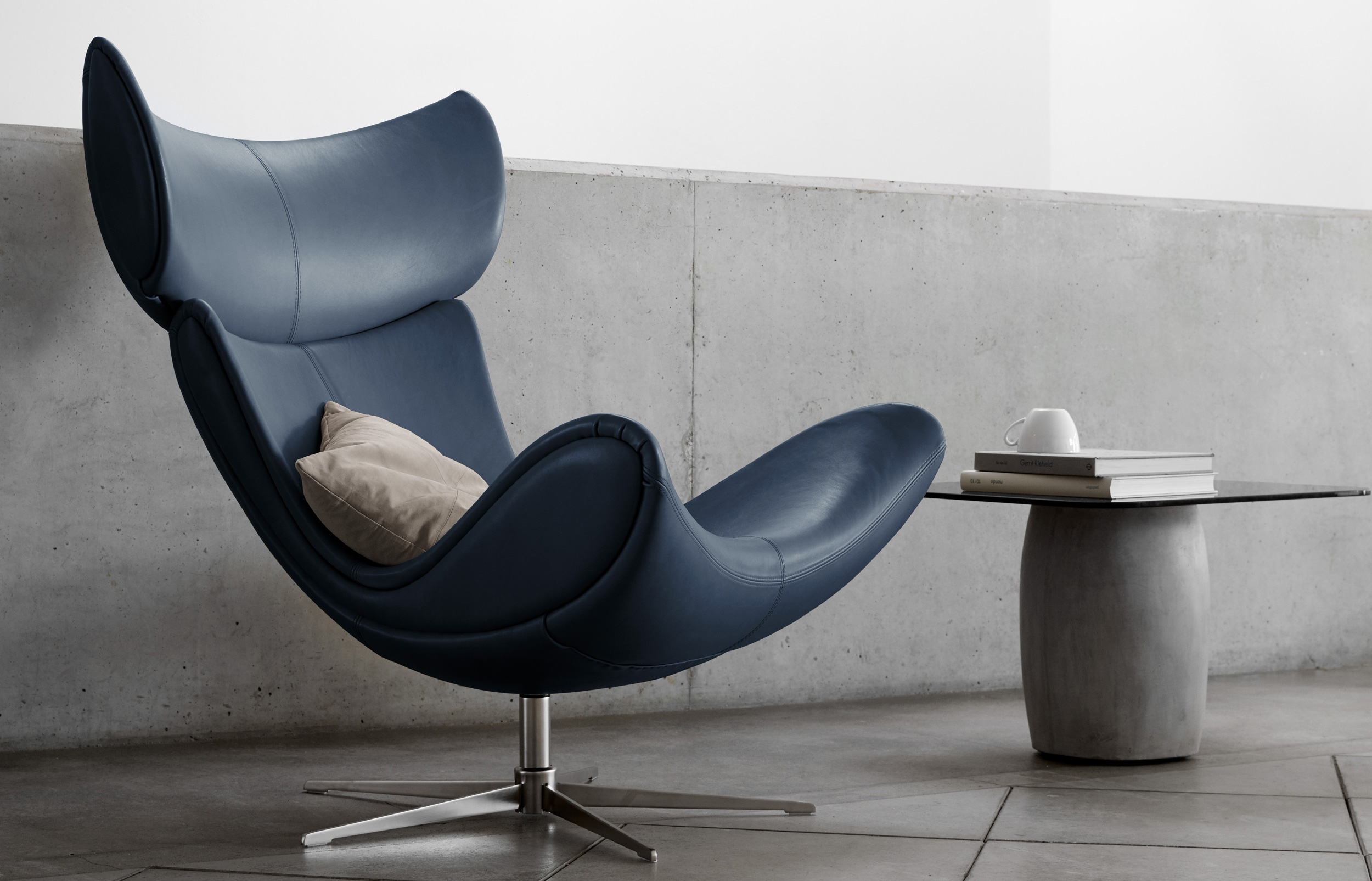 Imola chair in dark blue leather