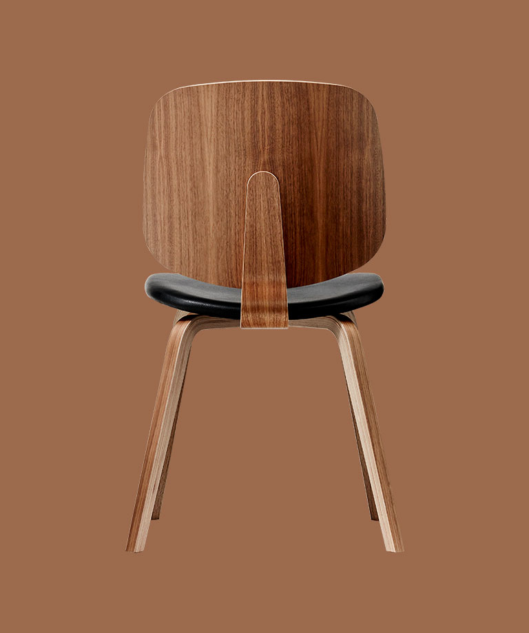 Aarhus dining chair in walnut veneer and black