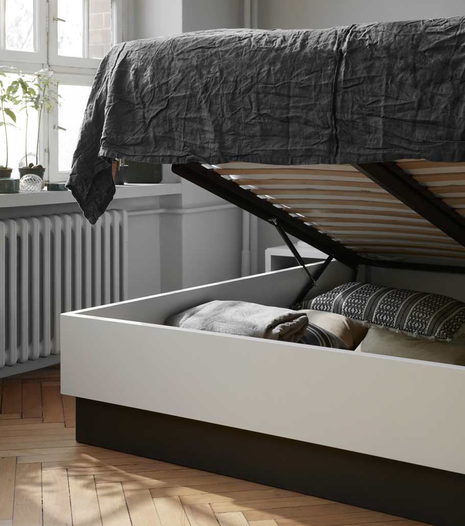 Laguno bed with storage
