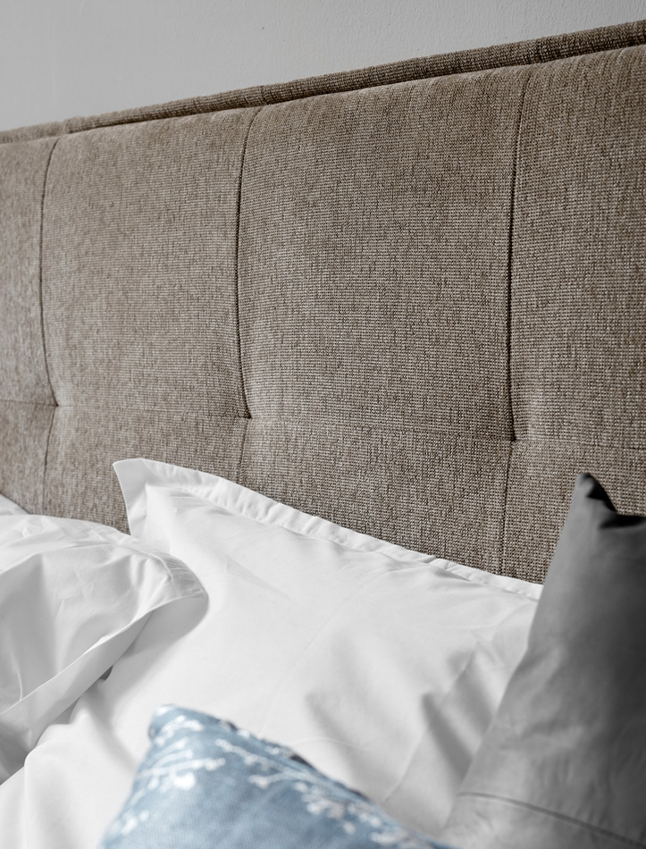 Laguno bed with grey headboard