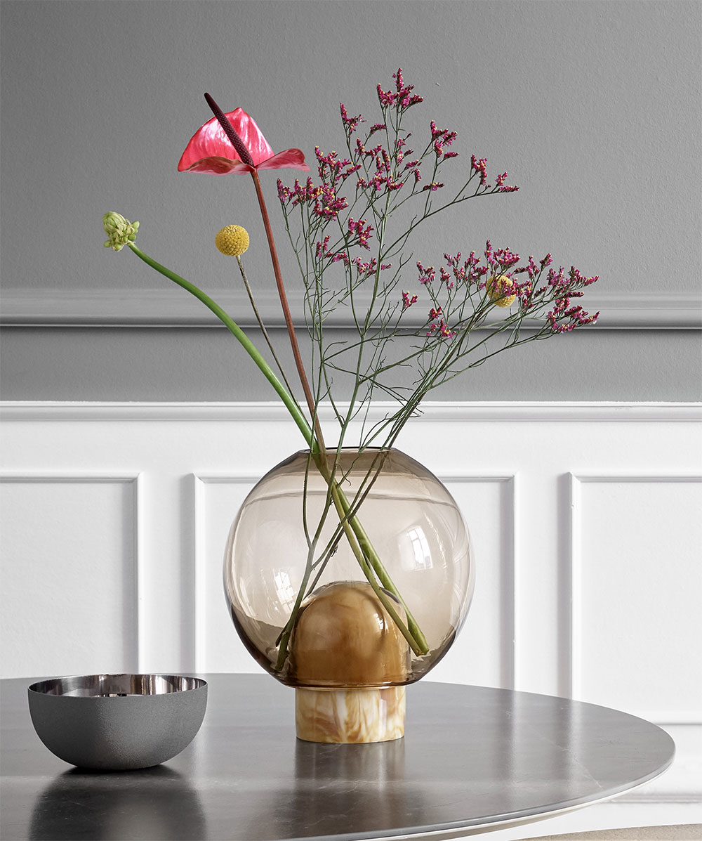 Balloon glass vase