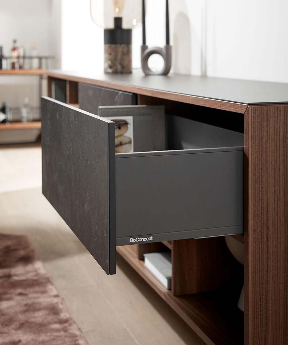 Walnut veener Manhattan sideboard