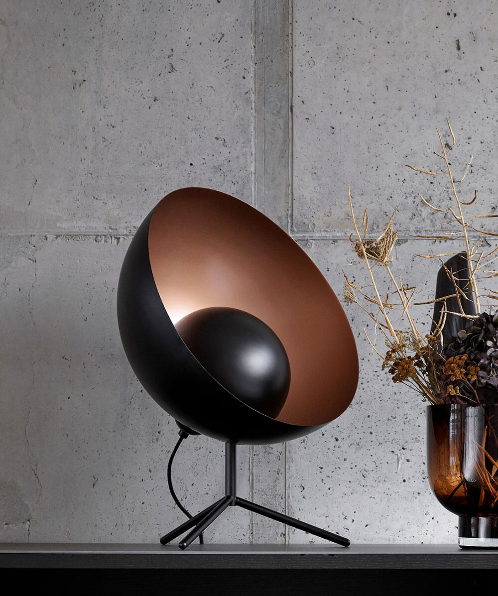 Black metal and copper Satellite table lamp