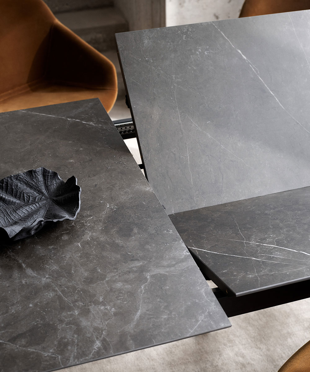 Dark marble Augusta table