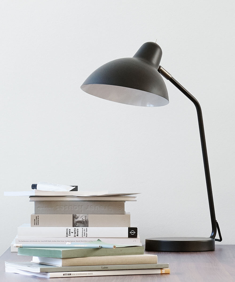 Black Demand table lamp