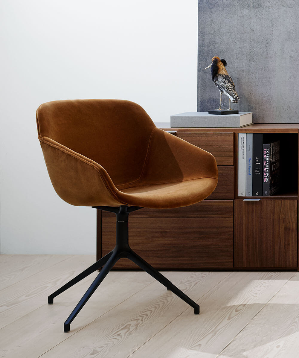 Camel velvet Vienna chair