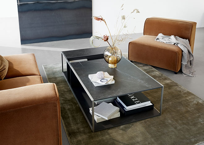 Philadelphia coffee table in dark marble