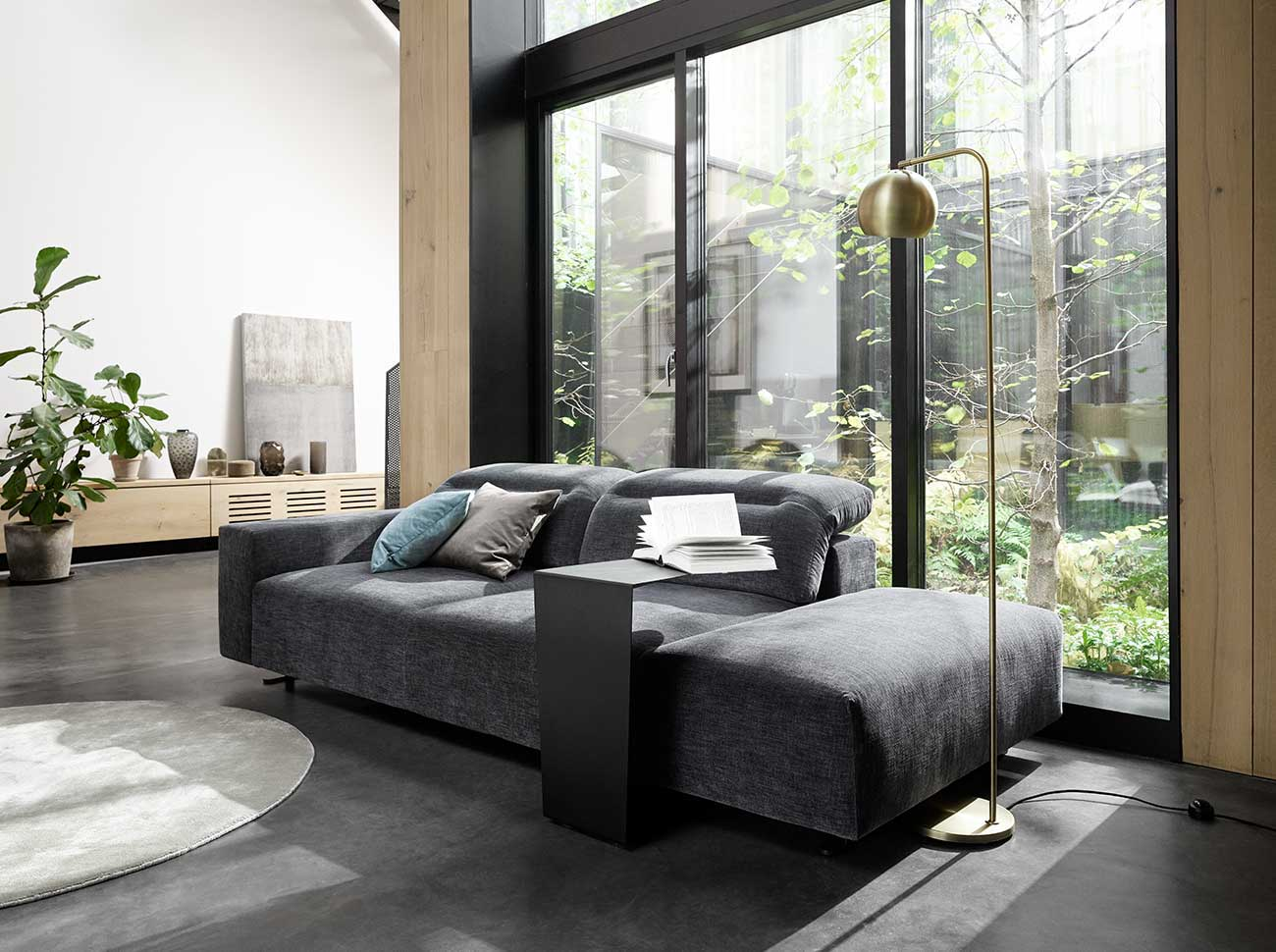 Sofa with open end