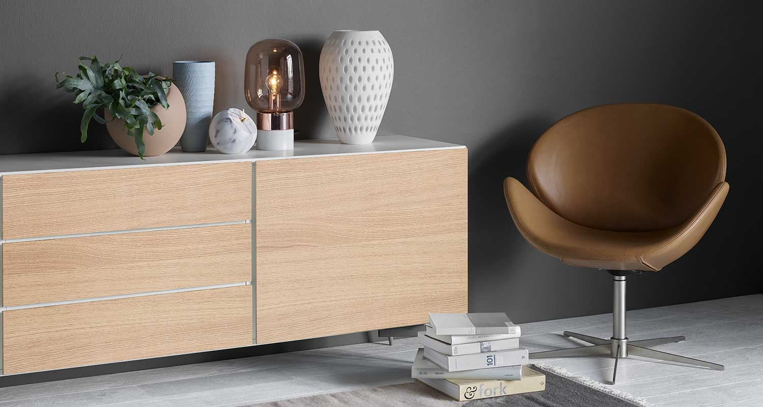 Custom sideboard in white and oak