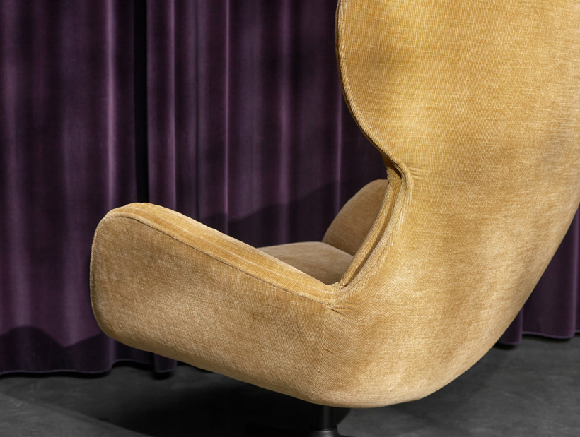 Golden beige Reno chair with swivel function