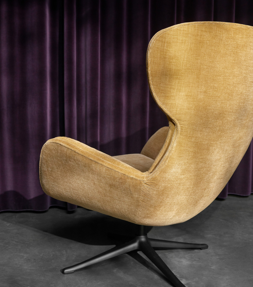 Golden beige Reno chair with swivel function