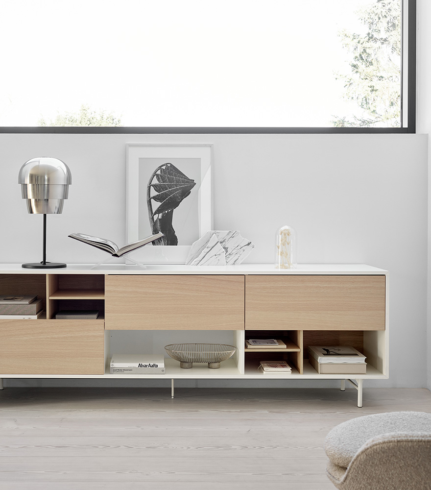 White Manhattan sideboard with oak front and silver Pine Cone table lamp