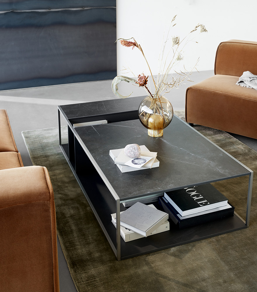 Philadelphia coffee table in charcoal grey lacquered and Balloon vase