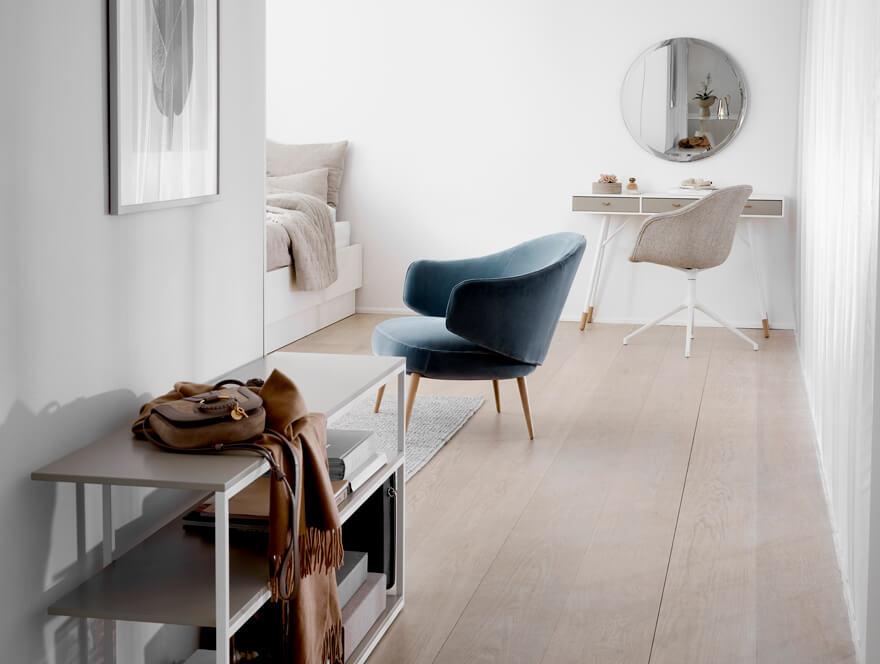 Charlotte living chair