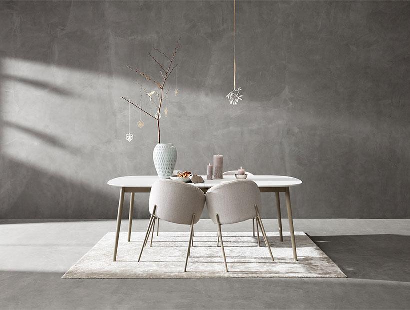 白色Princeston餐椅和白色Kingston餐桌。