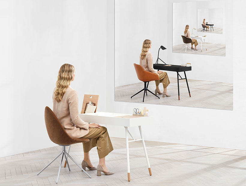 Cupertino desk with camel chair