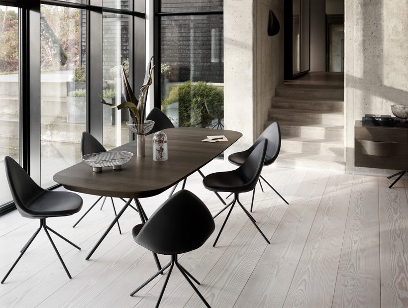 Ottawa dining table in dark oak veneer with black Ottawa dining chairs