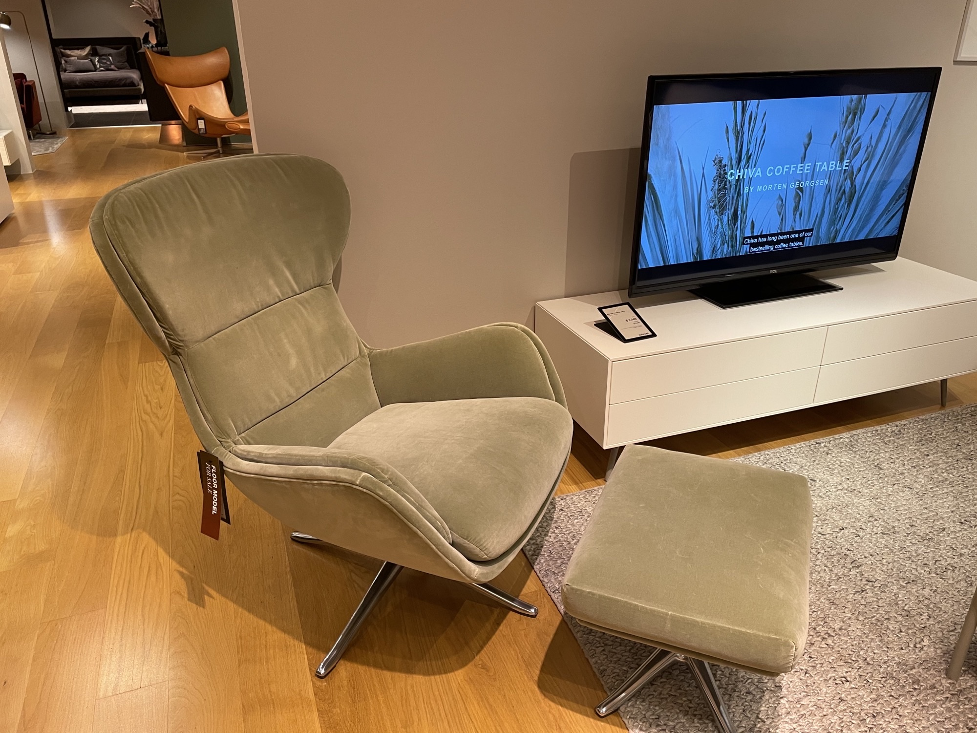 Reno chair with footstool