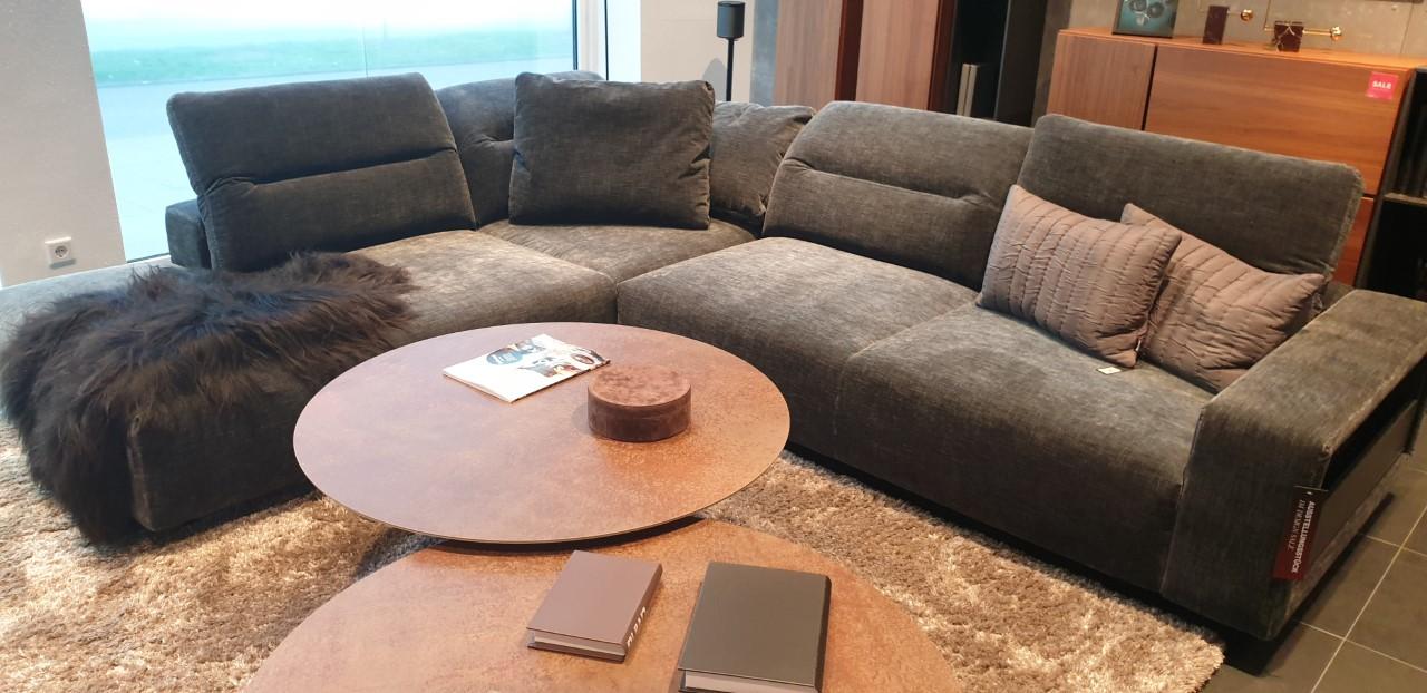 Hampton Ecksofa mit Lounge-Element und Zusatzkissen