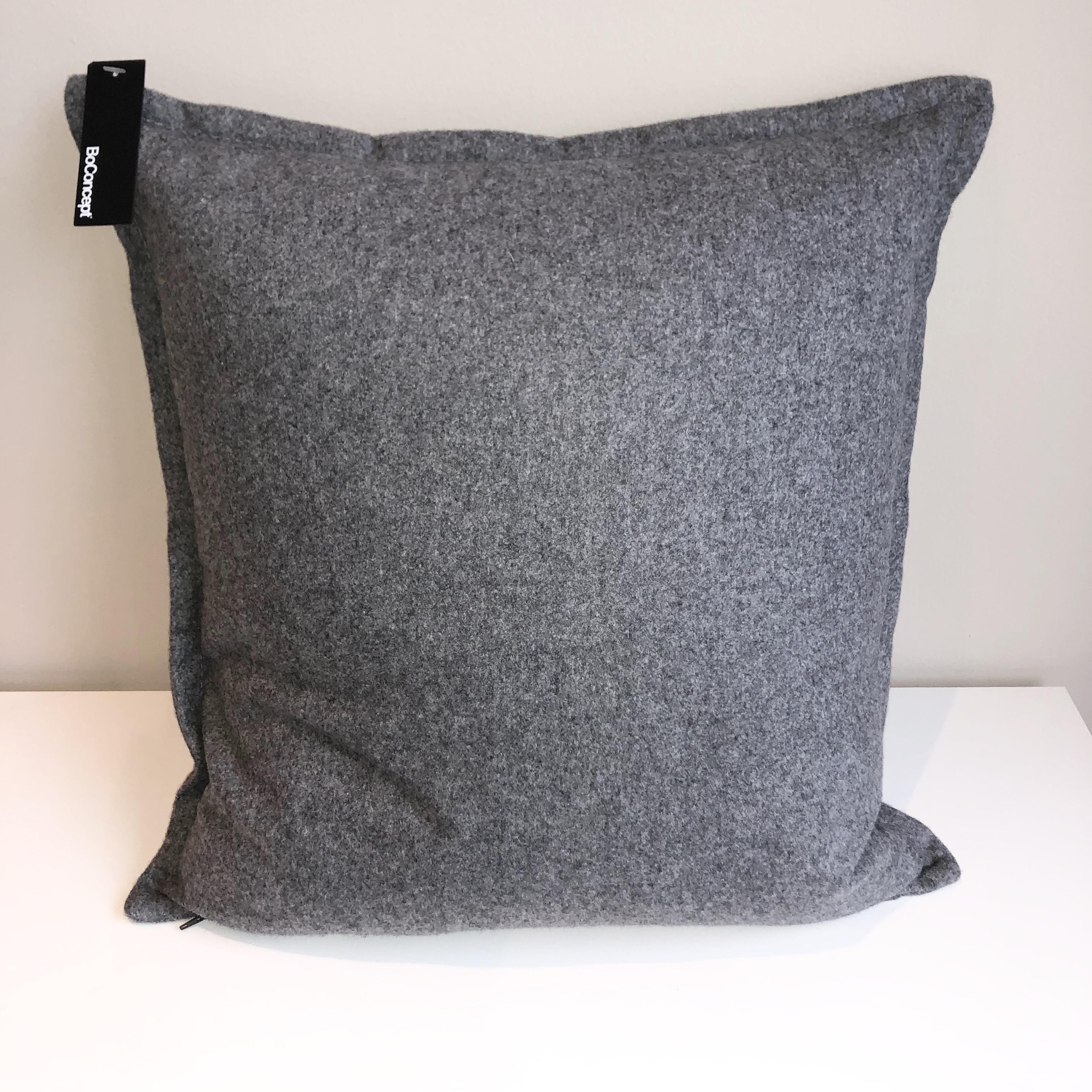 Lux Felt Cushion