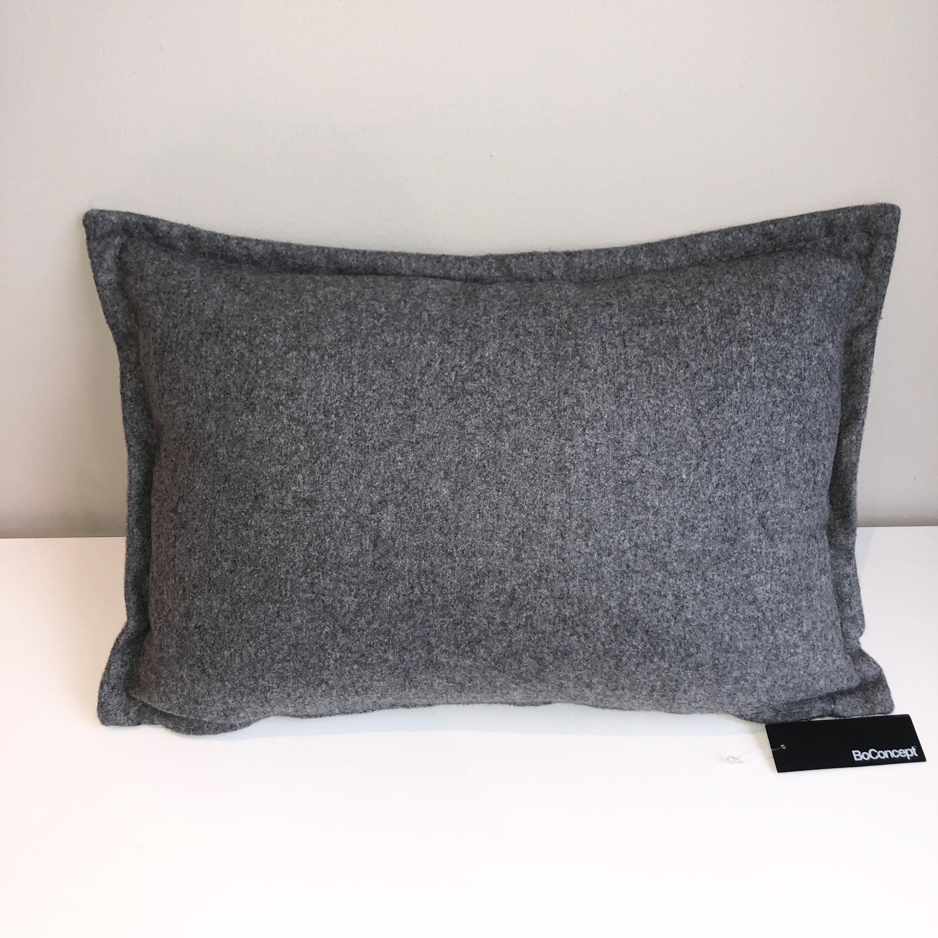 LuxFelt Cushion
