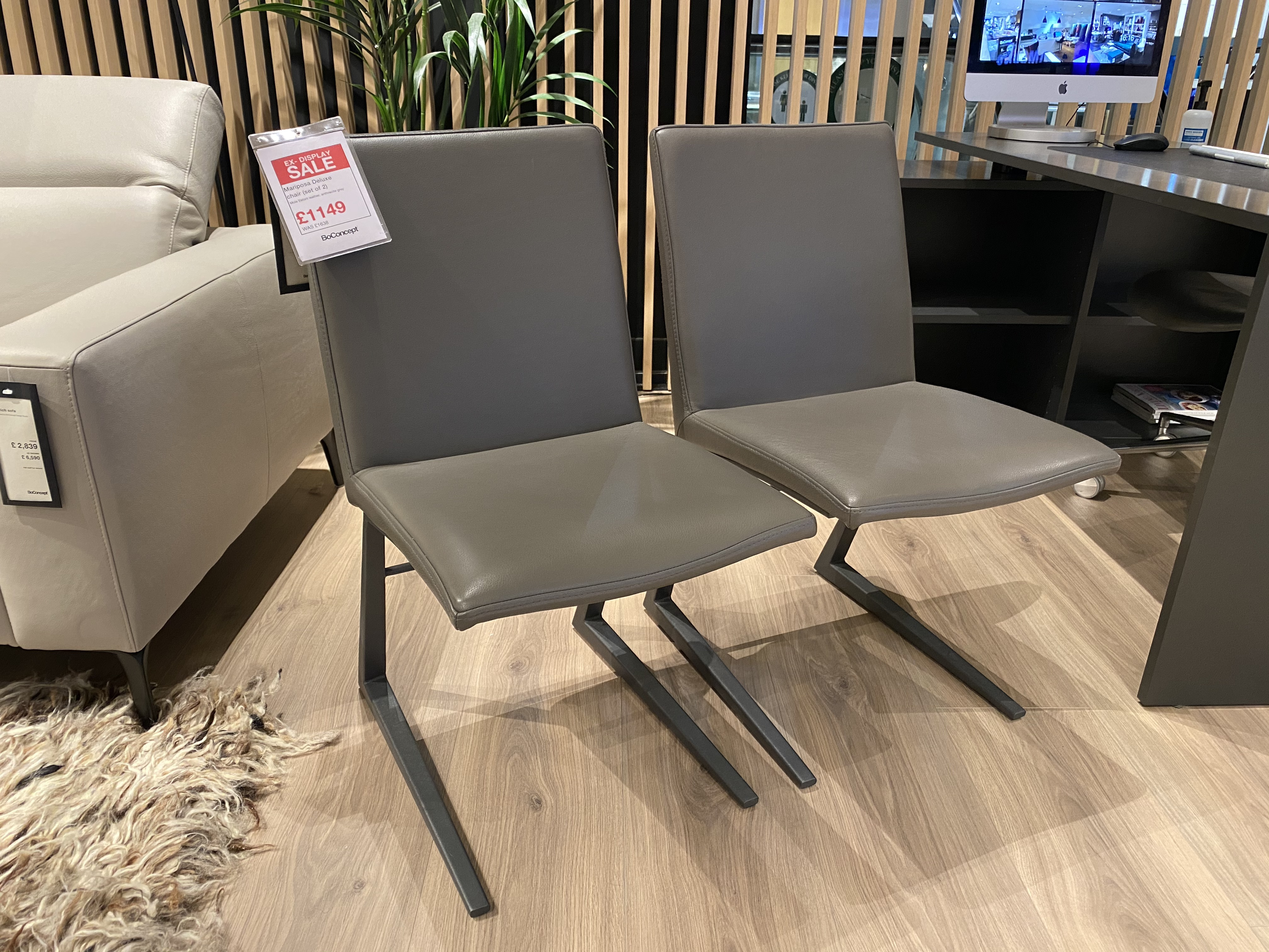 Set of 2 Mariposa dining chairs